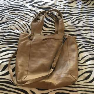 LEATHER COUNTRY ROAD BAG