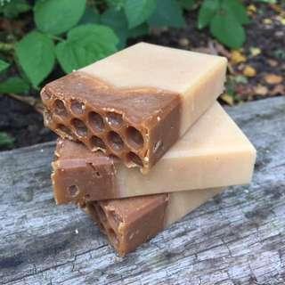 Hand Made Soap (Honey & Goat Milk)