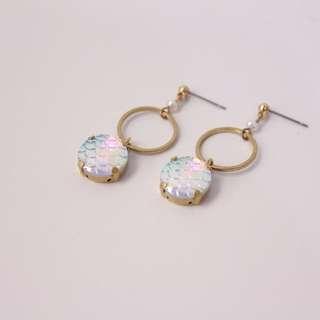 ◆hippie◆ 人魚姬 海洋的霓虹波光 珍珠黃銅耳環 -粉白光