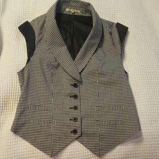 Women's Vest Size 8