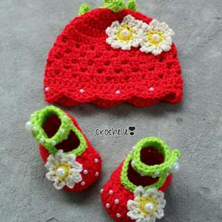 Crochet Strawberry Hat With Shoes