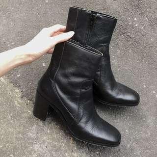 Zara 真皮高跟靴