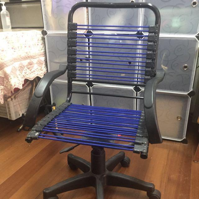 電腦椅(有滾輪)