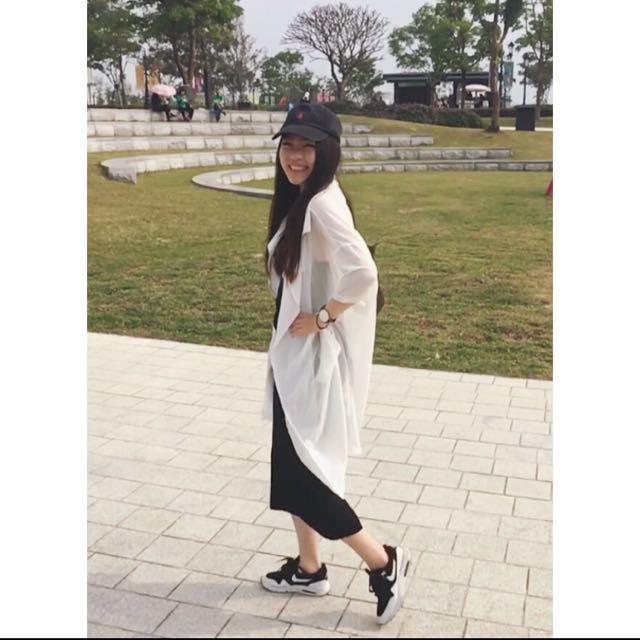 整套幫你搭好 白襯衫+黑長裙一起賣