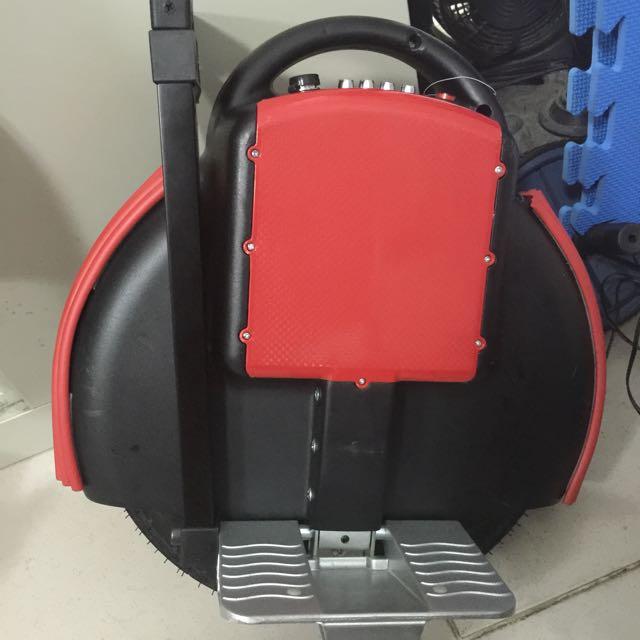 平衡車 獨輪車 送輔助輪 二手美品 玩沒幾次就放在家裡了