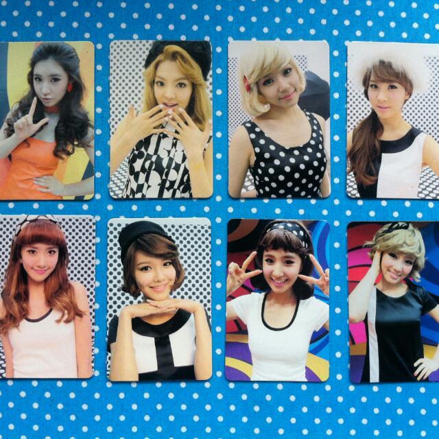 Girls' Generation Hoot Photocards