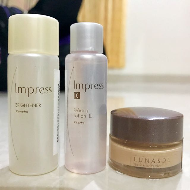 Kanebo Lunasol Skin Modeling Water Cream Foundation OC02 Gift Set