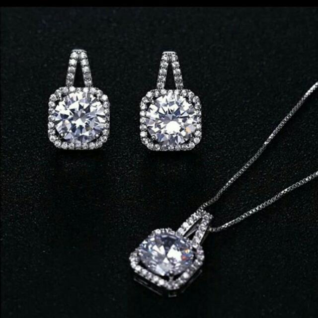 Micro Diamond Set ( Kalung, Anting)