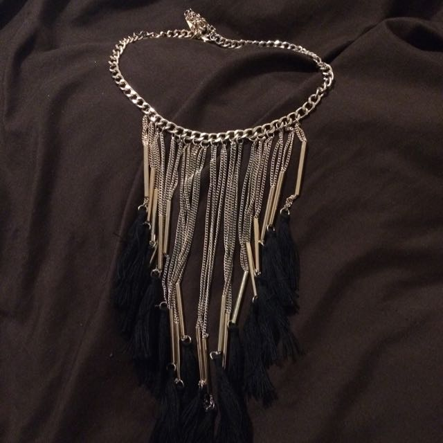 Necklace With Tasslea