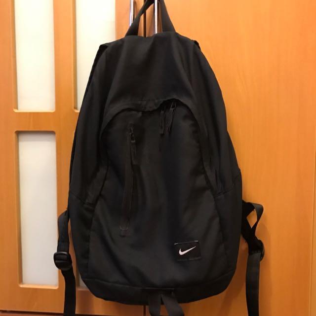 Nike黑包