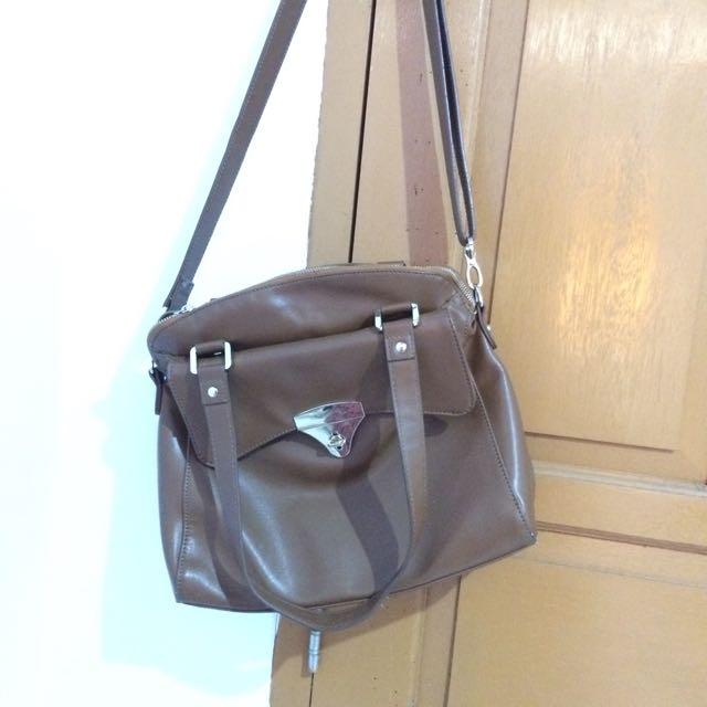 Preloved Handbag Elizabeth Cokelat
