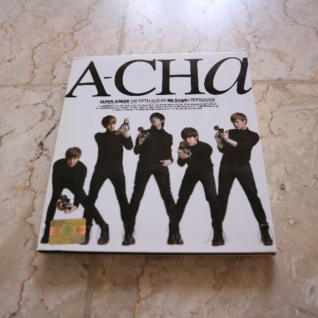 Super Junior A-CHA (The Fifth Album Mr. Simple Repackage)
