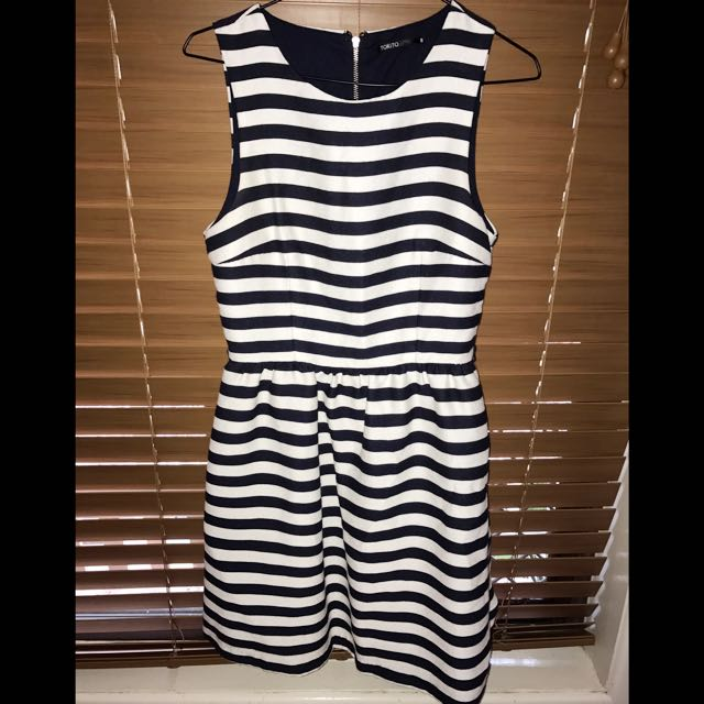 Tokito Size 8 Work Or Play Dress