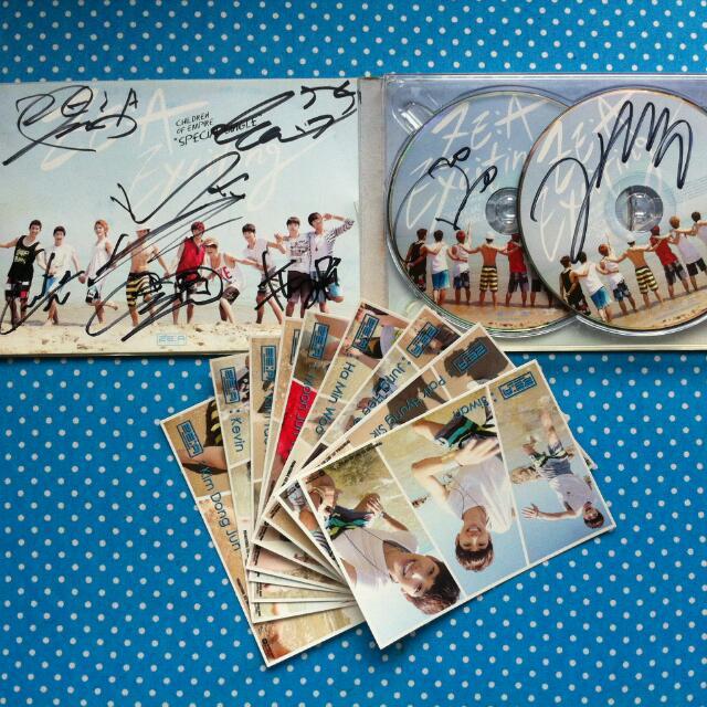 ZE:A Exciting Album w/ Signatures