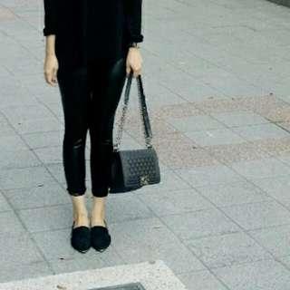 黑色緊身皮褲