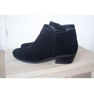 SPORTSGIRL Black Boots