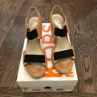 Michael Kors wedge shoes size 6