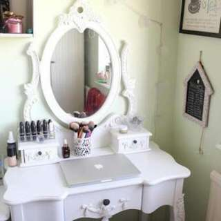 Makeup Desk With Mirror