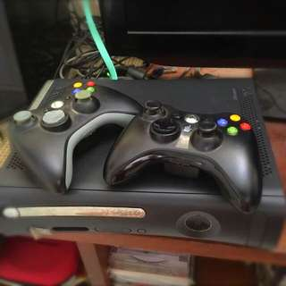 Xbox 360 With Kinect & 1 Wireless Controller