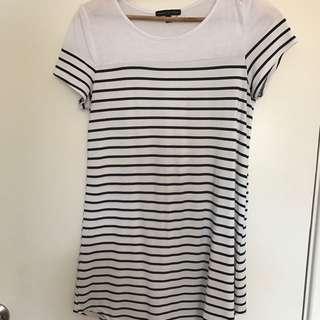 White Tshirt Dress Striped Size 6