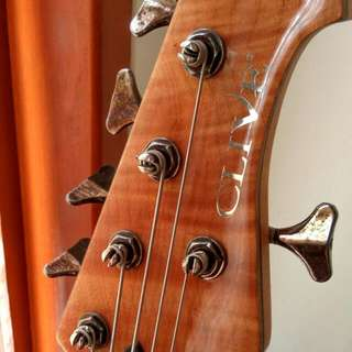 Bass Clive, Not Fender GnL Ibanez