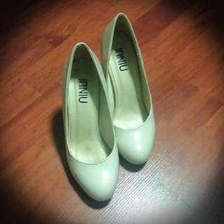 Simple Nude Heels