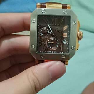 Guess Collection Authentic rose gold
