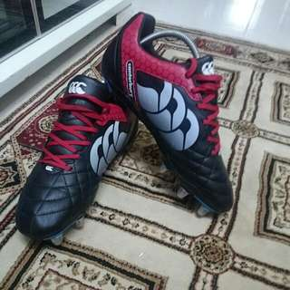 Canterbury Boots...  Size 9 UK, 10 US, 43 EUR, 28 JP,  90% Like New... Scnd Time Used Only In Training Session...  Suitable For Training And Match...