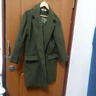 墨綠色長版大衣外套