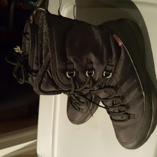 Adidas winter boots size 7.5