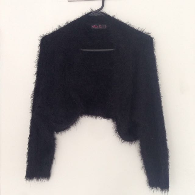 ALLY Black Fluffy Half-jacket