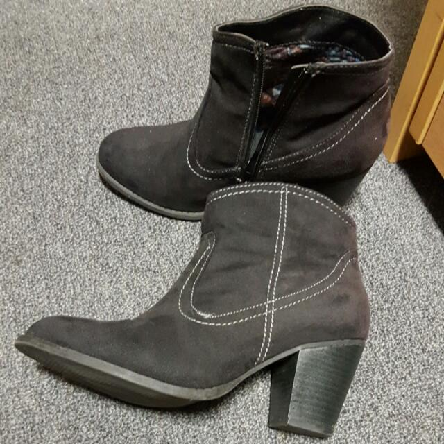 Black Paloma Rossi Ankle Boots