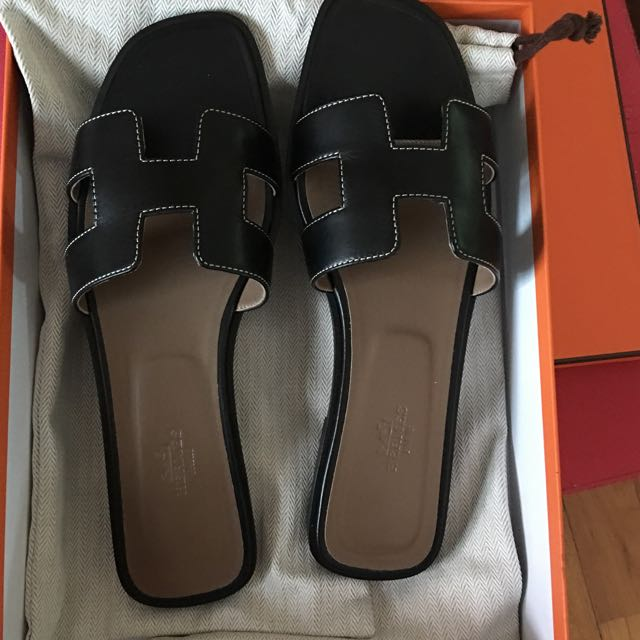 e1efa08283be BNIB Authentic Hermes Oran Sandals Black