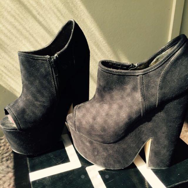 BNWT ZU Kensington High heels Size 5