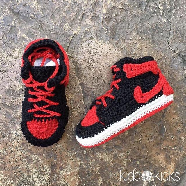 Crocheted Nike Air Jordan1 - Bred