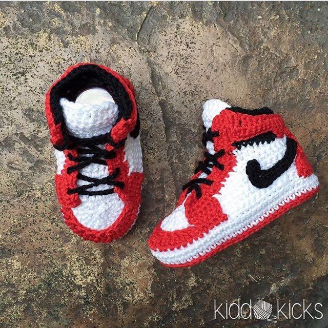 Crocheted Nike Air Jordan1 - Chicago