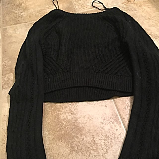 Cropped Knit Black Material Girl Sweater Size Large High Quality