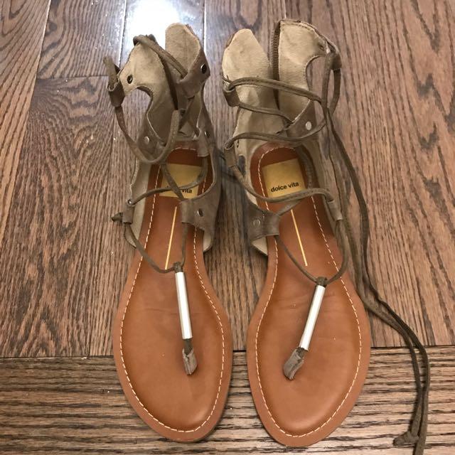 Dolce Vita Gladiator sandal size 6