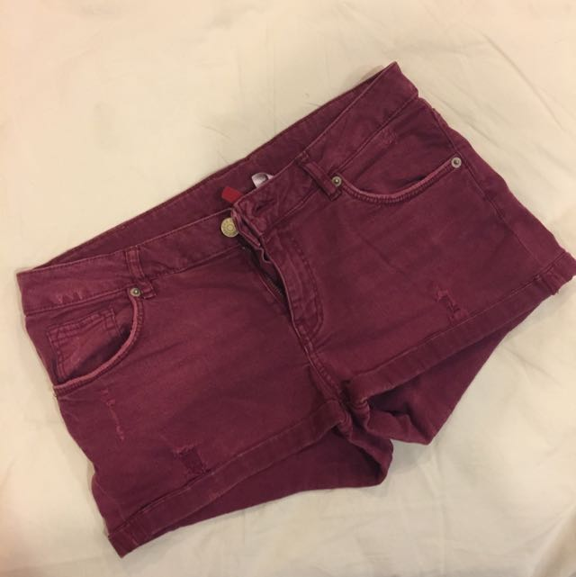 51f9e5134 EUR 38 H&M Maroon Denim Shorts, Women's Fashion, Clothes, Bottoms on  Carousell