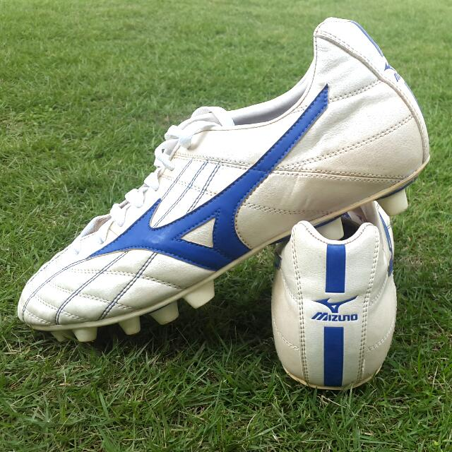 Original Mizuno Ghost Striker US10.5 mens soccer shoes football cleats with box
