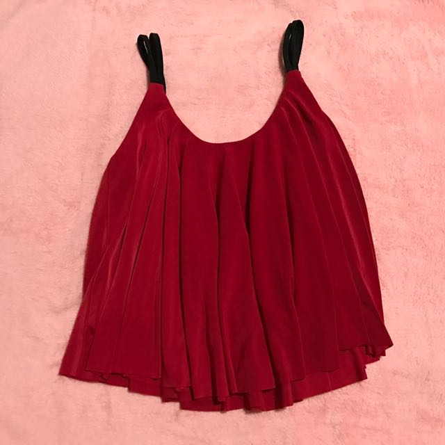 a5b28447bbe Red Flowy Crop Top, Women's Fashion, Clothes, Tops on Carousell