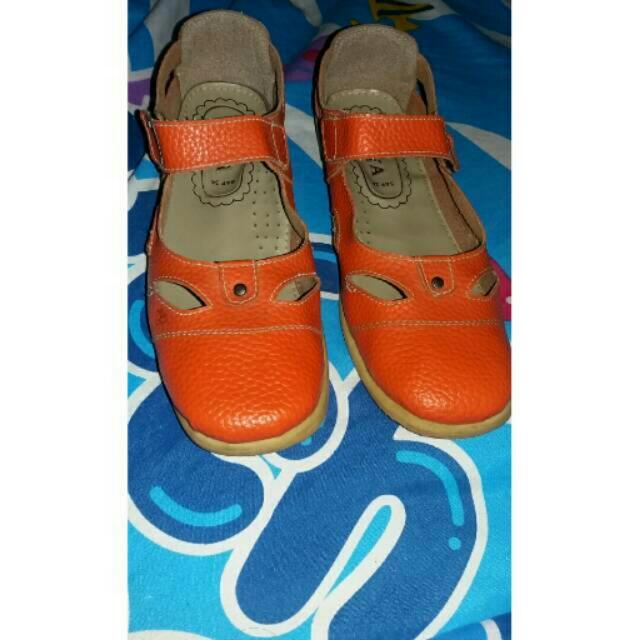 Sepatu Freeya