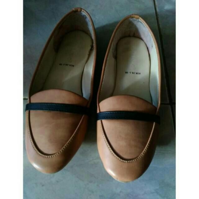 Sepatu Molinic