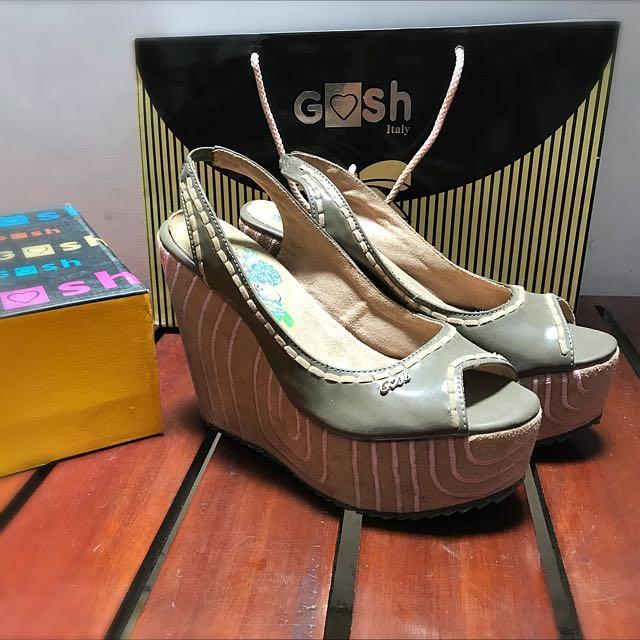 Sepatu Wedges Gosh 38