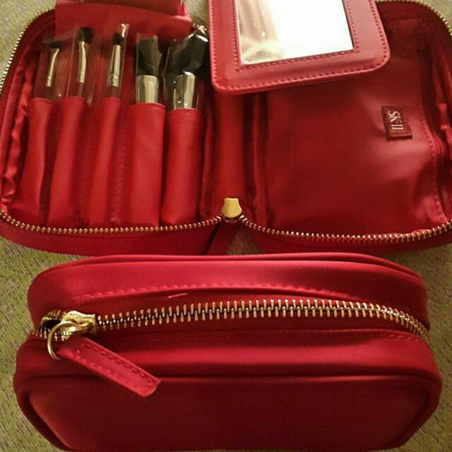 SKII pouch + 5 brush and mirror