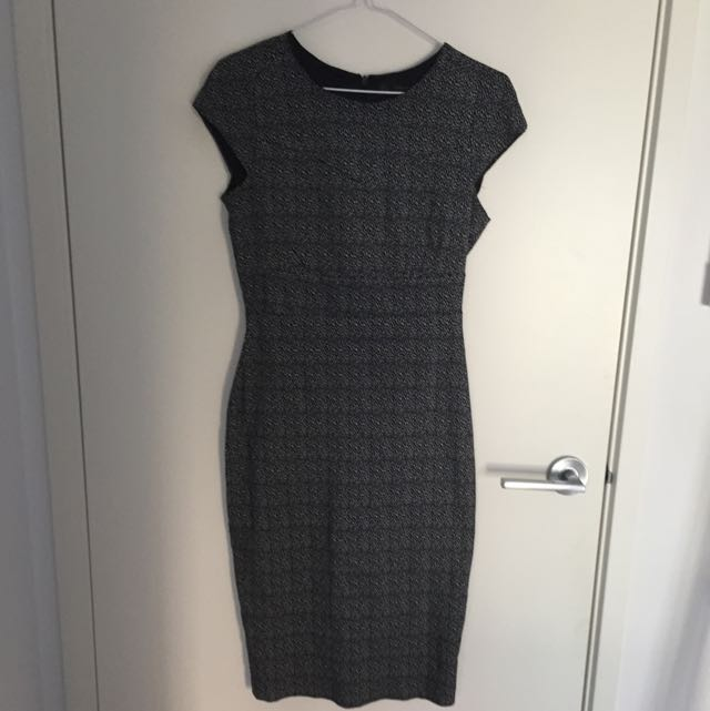 Work pencil dress (Zara)