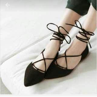 氣質黑色綁帶尖頭鞋