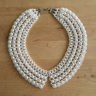 Beautiful Faux Pearl Lace Collar