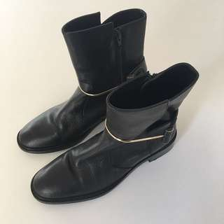 COUNTRY ROAD boots