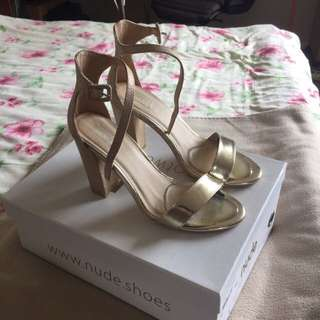 Nude Gold Heels Size 8/8.5 Or 39